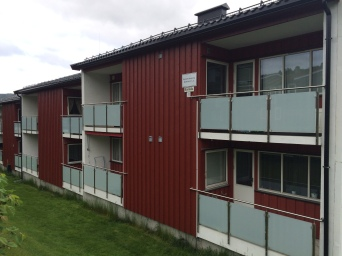 Rehabilitering av verandaer med nye rekkverk i stål/glass for Bjørkelia Borettslag